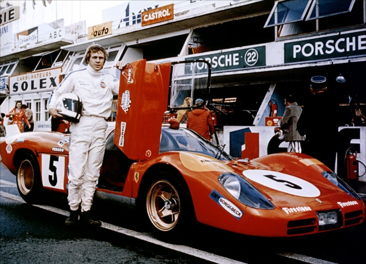 Steve mcqueen s a gulf racing for Garage automobile le mans