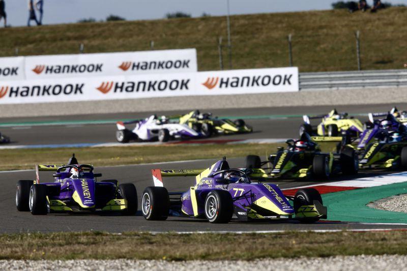 VivienKeszthely_WSeries_Assen_Race_F3Pilot (1)