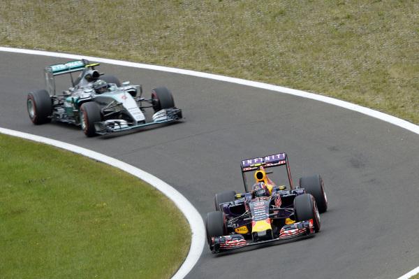 Rosberg_RedBull_Hungaroring_DPPI_1
