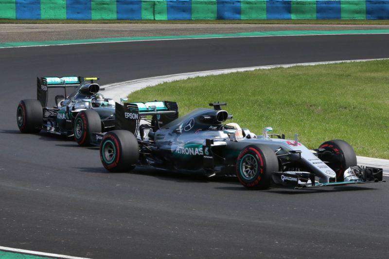 Hamilton_Rosberg_Hungaroring_Mercedes
