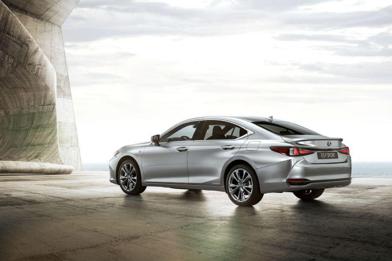 2019 Lexus ES F SPORT_04