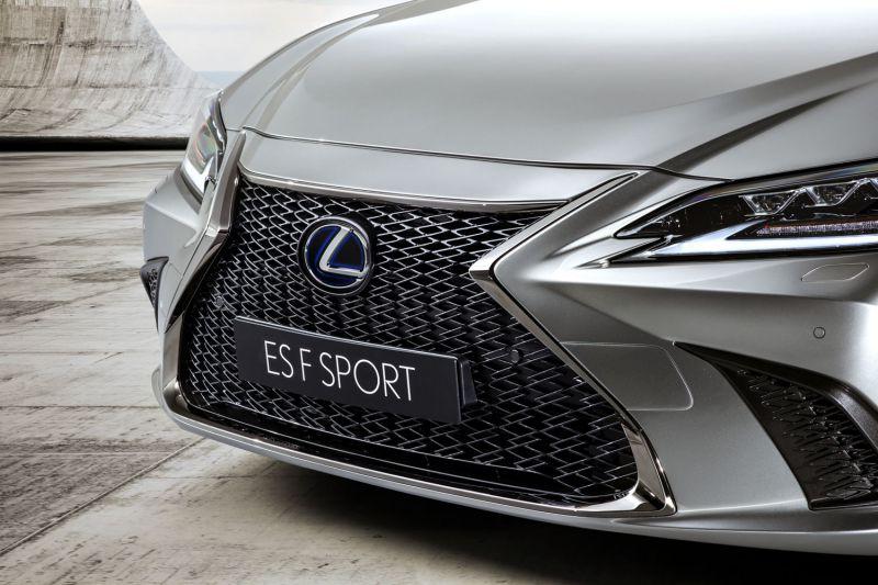 2019 Lexus ES F SPORT_07