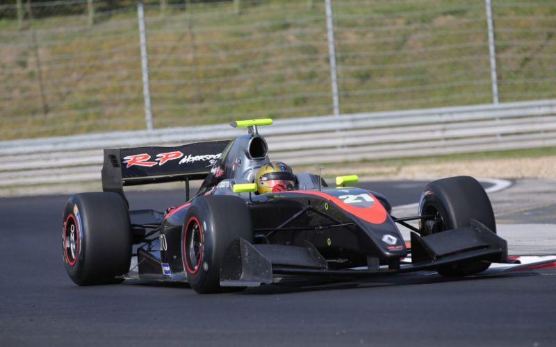 formula-v8