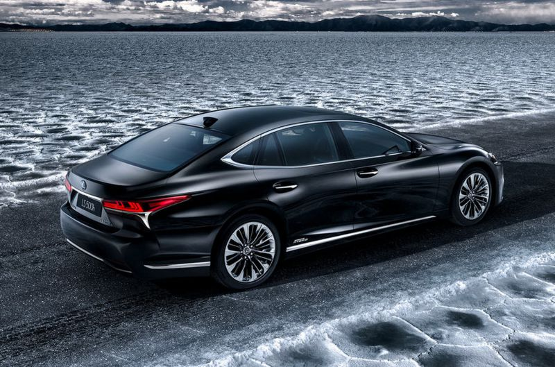 2017-lexus-ls-hybrid--0