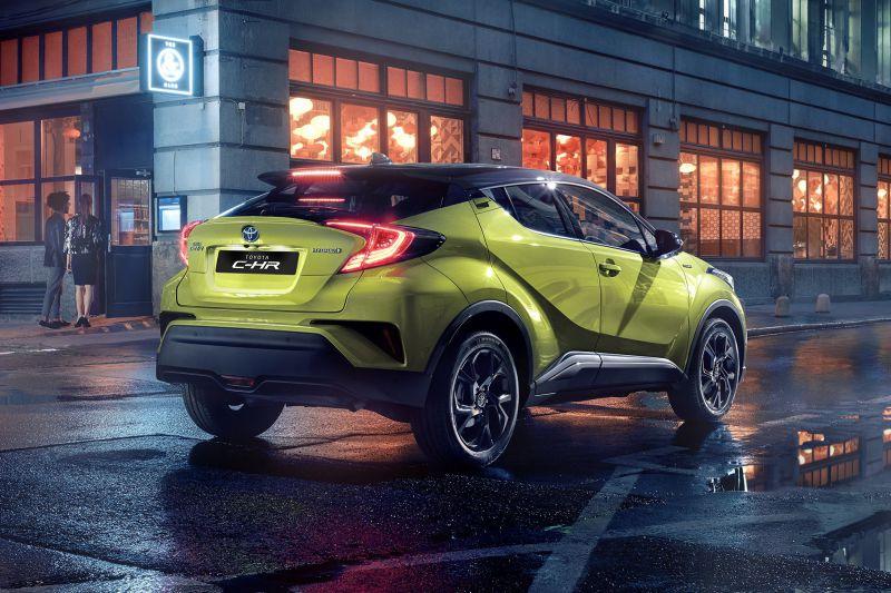 Toyota_C_HR_Neon_Lime_2