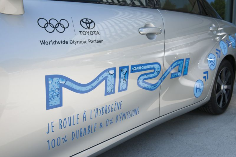 Toyota_NOB_Mirai_2