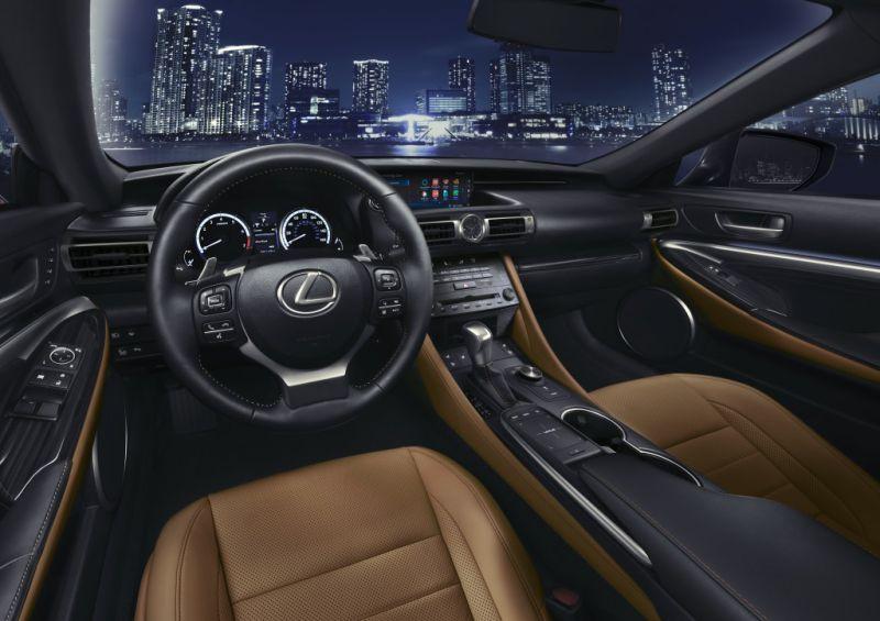uj_Lexus_RC_luxus_kupe_5