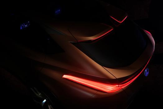 Lexus_Detroit_Limitless_crossover_koncepcio