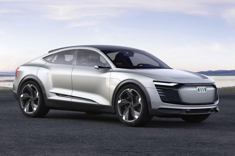 audi-e-tron-sportback-concept-2017-(2)