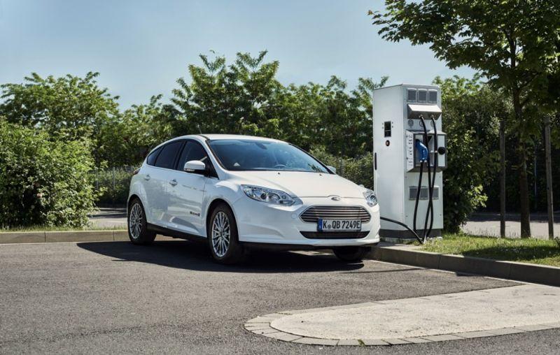 Már Budapesten az új elektromos Ford! cb8682b4fc
