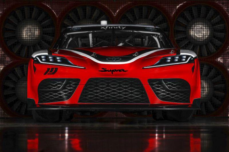 NASCAR_Xfinity_Toyota_Supra_002