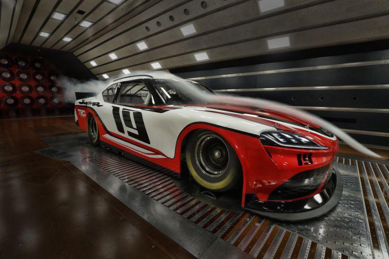 NASCAR_Xfinity_Toyota_Supra_003