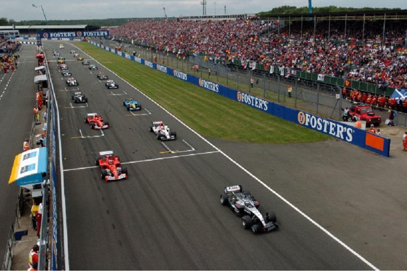 2004-silverstone-start1