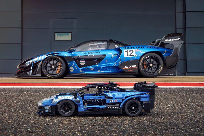 LEGO Technic McLaren Senna GTR_side by side