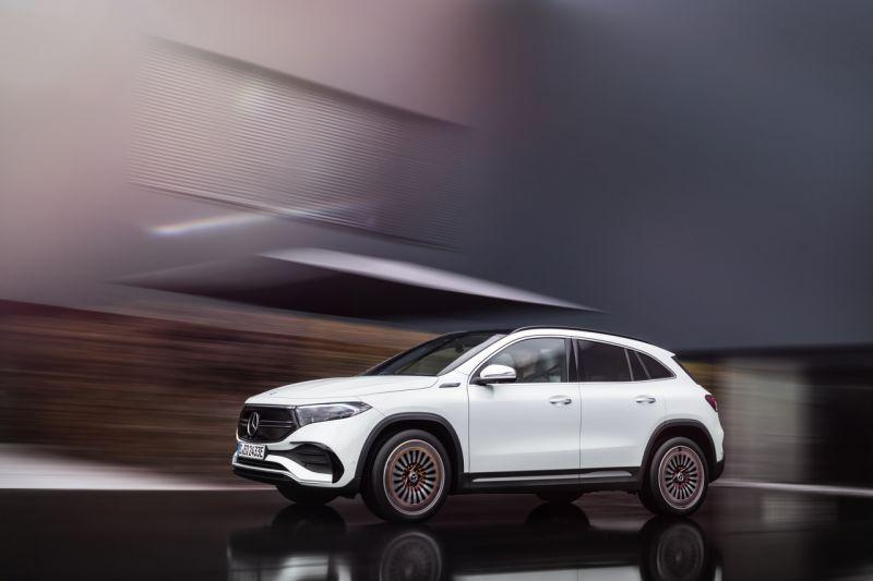 Mercedes-Benz EQA front & side
