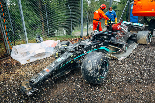 bottas-crash-auto-dppi-imola-1