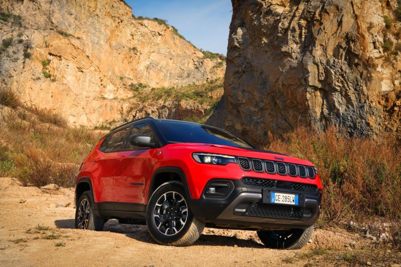 2. New Jeep® Compass Trailhawk 4xe