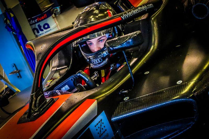 Vivien-Keszthelyi_Formula-3_Euroformula-Open_F3_Hungarian_female-pilot (1)_1