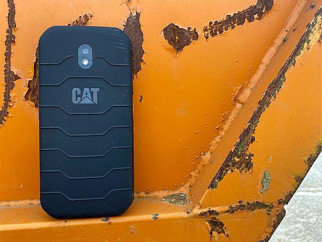 Cat phone S42 Image 4