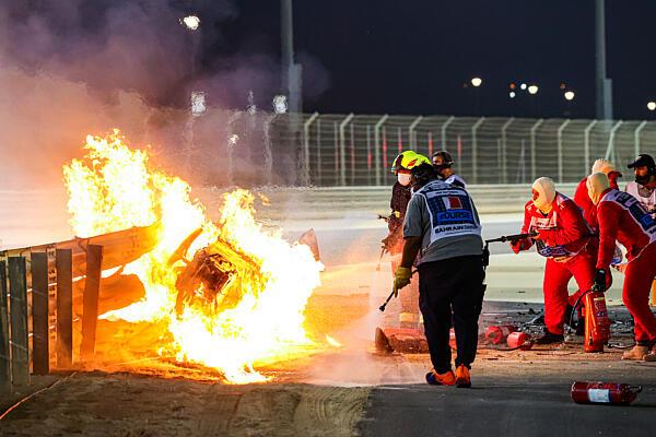 grosjean-baleset-bahrein-dppi