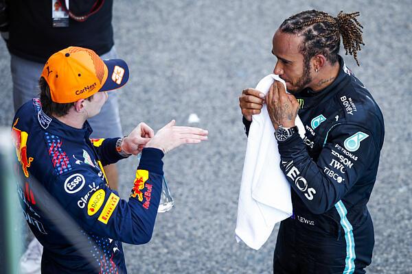 hamilton-verstappen-barcelona-podium-dppi