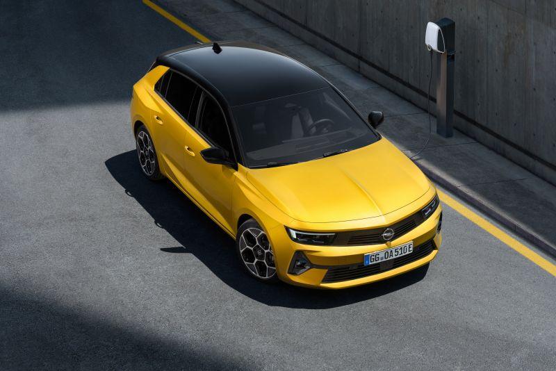 04-Opel-Astra-516125
