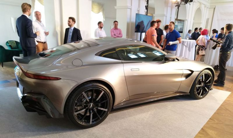 Aston-martin-Budapest-01