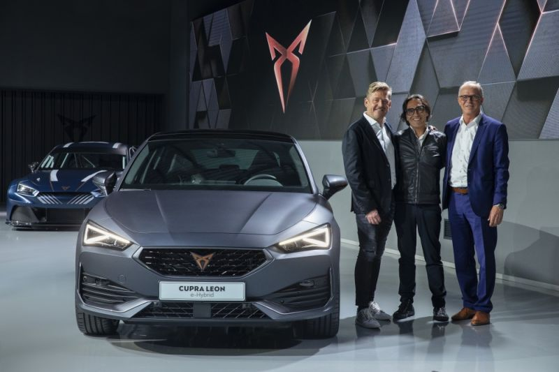 CUPRA-opens-the-doors-of-its-new-headquarters-with-the-debut-of-the-first-CUPRA-Leon_10_HQ