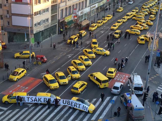 uber_tuntetes