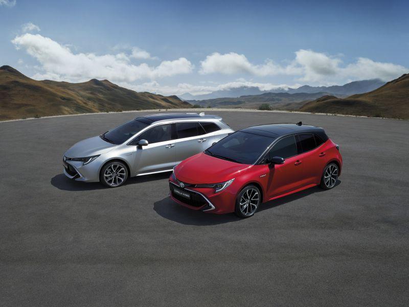 Toyota_Corolla_Touring Sports_es_otajtos_1_1