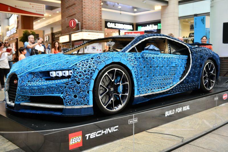 LEGO Technic Bugatti Chiron_ oldal2_resize