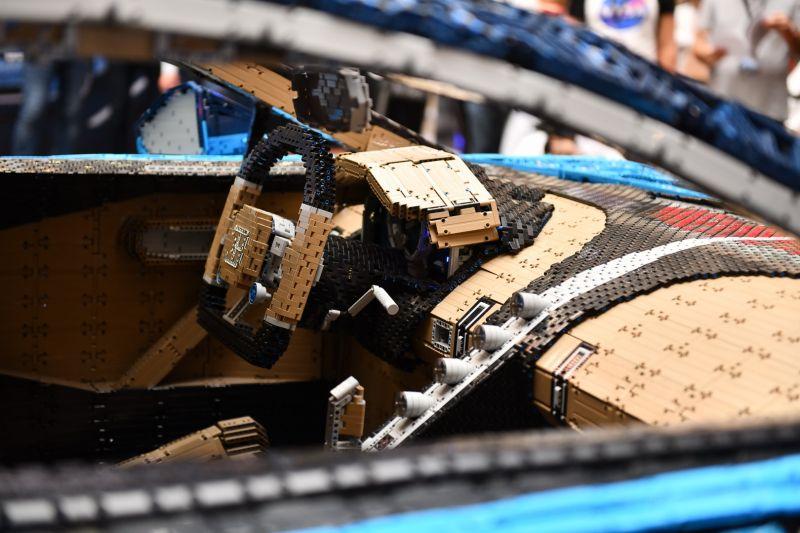 LEGO Technic Bugatti Chiron_belso_resize