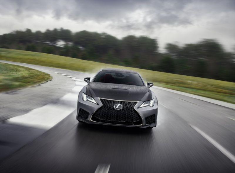 Lexus_RC_F_Track_Edition_7_1