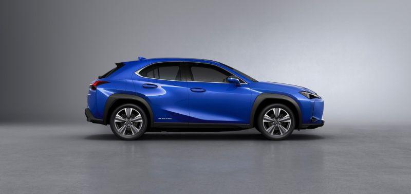 Lexus_UX_300e_18