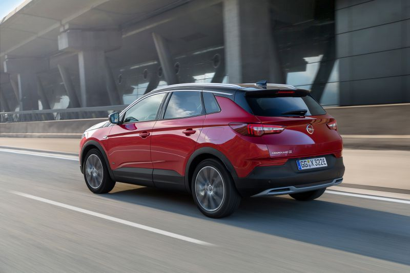 Opel-Grandland-X-Hybrid4-506691_resize