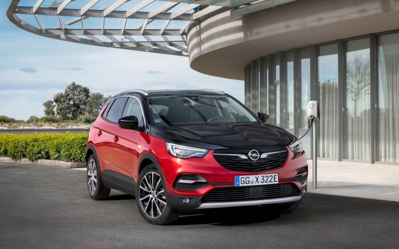 Opel-Grandland-X-Hybrid4-506692_resize