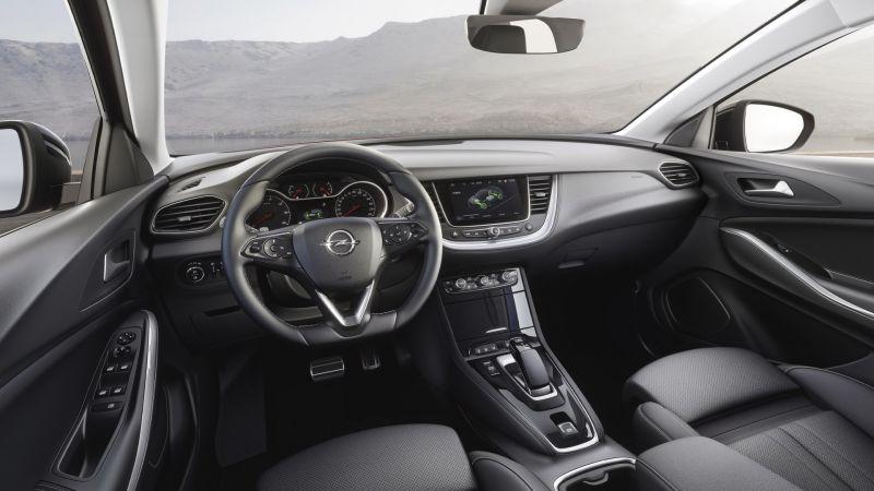 Opel-Grandland-X-Hybrid4-Interior-506696_resize