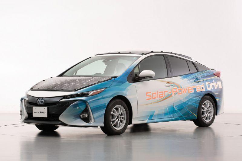 Toyota_Prius_Plug_in_Hibrid_napelem_1
