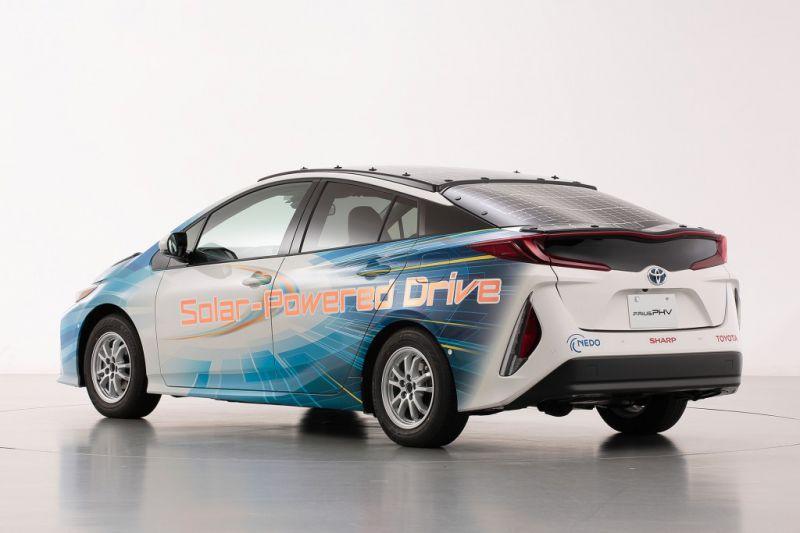 Toyota_Prius_Plug_in_Hibrid_napelem_3