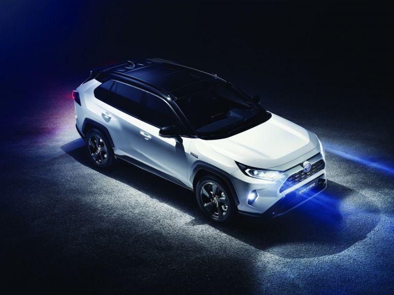 Toyota_RAV4_hibrid_1