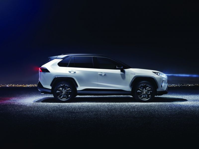Toyota_RAV4_hibrid_2