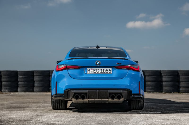 P90416639_highRes_the-all-new-bmw-m4-c_resize