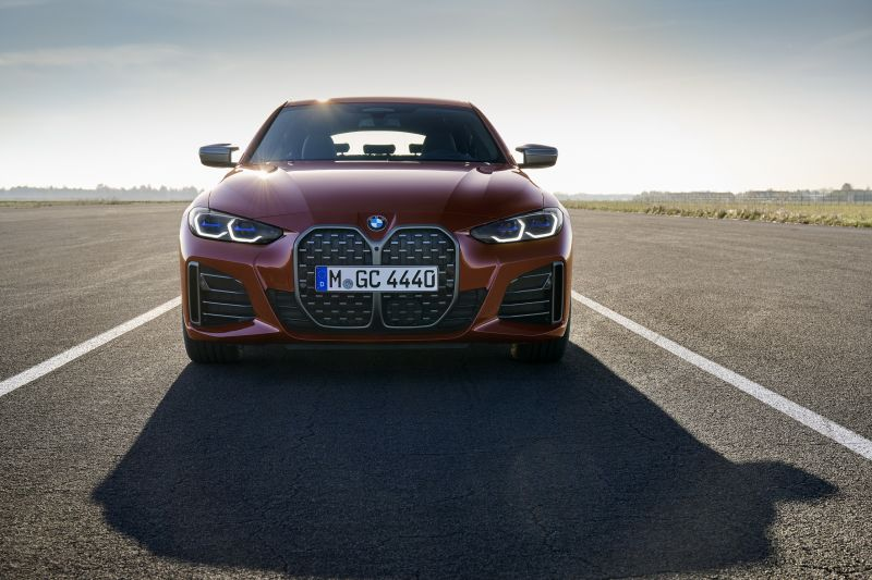 P90424654_highRes_the-all-new-bmw-m440_resize