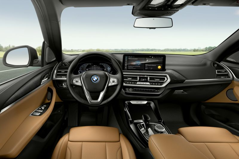 P90424707_highRes_the-new-bmw-x3-xdriv_resize
