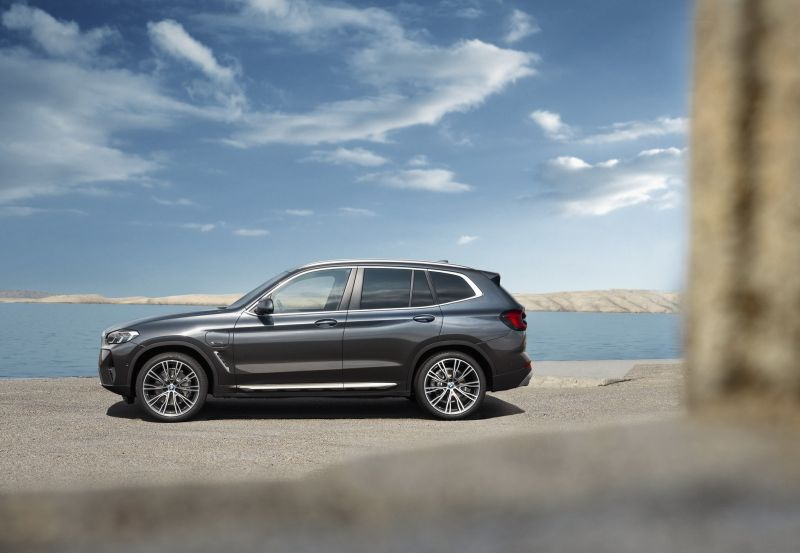 P90424717_highRes_the-new-bmw-x3-xdriv_resize