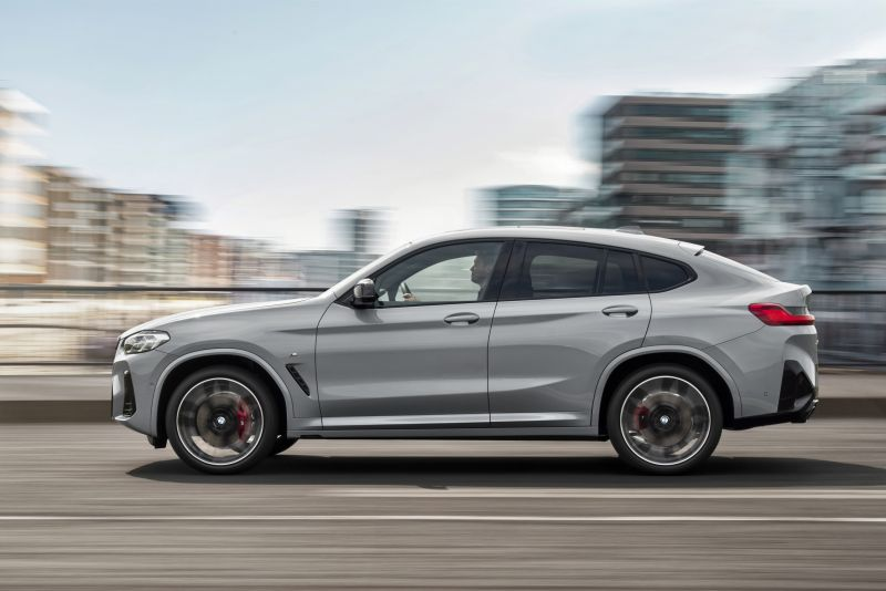 P90424724_highRes_the-new-bmw-x4-m40i-_resize