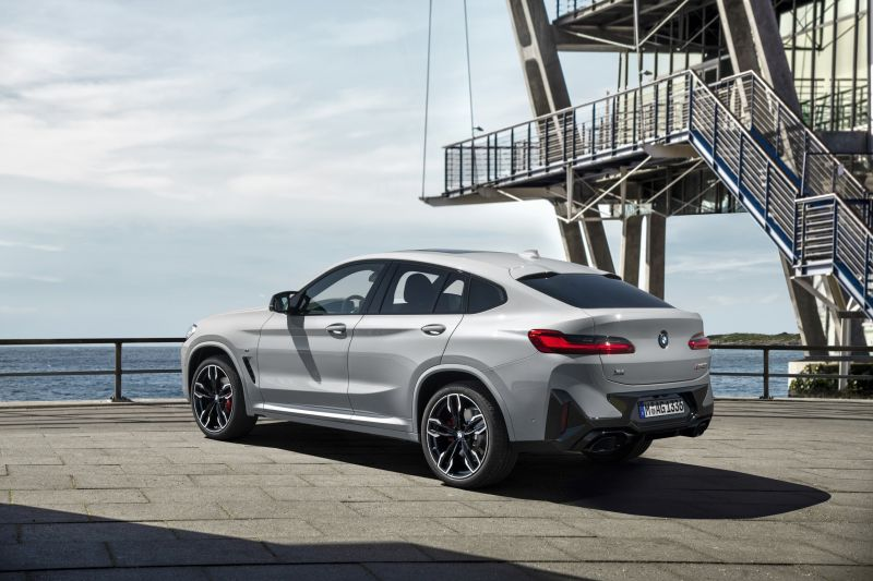 P90424729_highRes_the-new-bmw-x4-m40i-_resize
