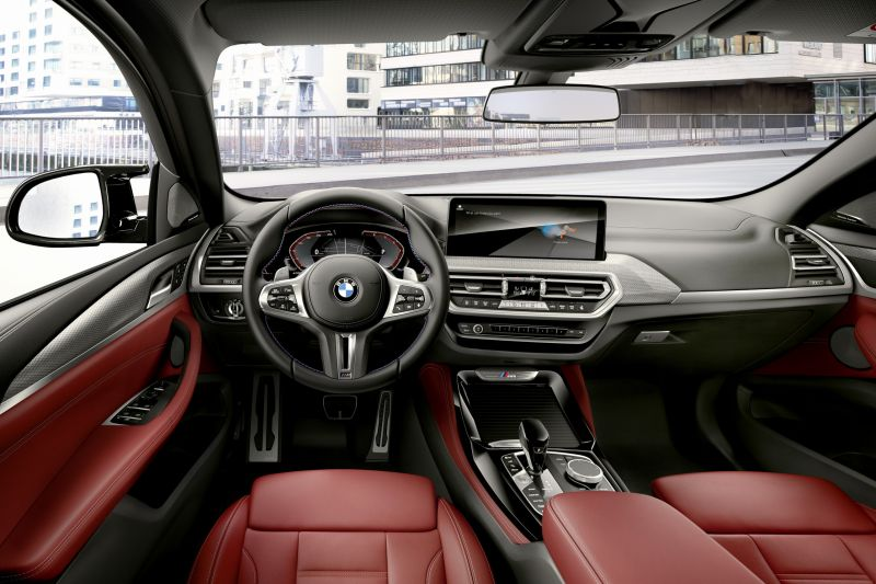 P90424745_highRes_the-new-bmw-x4-m40i-_resize