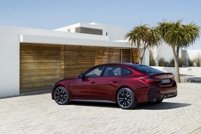 P90424870_highRes_the-all-new-bmw-m440_resize