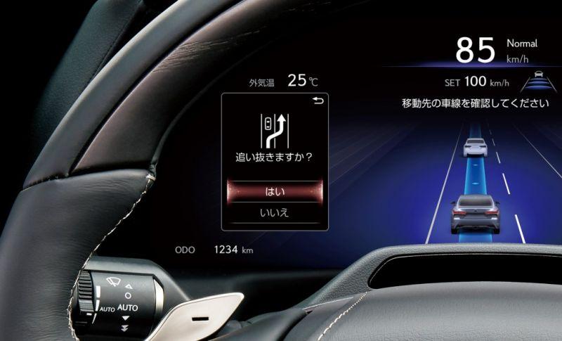 Toyota_Mirai_Lexus_LS_onvezeto (3)
